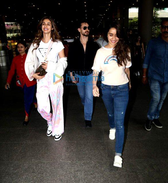 Photos Tiger Shroff, Disha Patani, Shraddha Kapoor and others snapped at the airport (4)