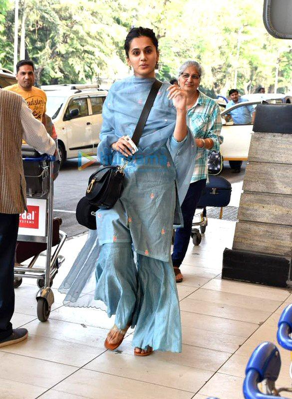 Photos Tiger Shroff, Disha Patani, Shraddha Kapoor and others snapped at the airport (5)