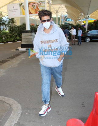 Bhool Bhulaiyaa 2 Kartik Aaryan returns to Mumbai after shoot gets halted due to Coronavirus outbreak