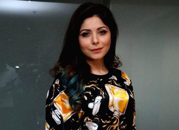 FIR filed against Kanika Kapoor after she tests positive for Coronavirus; Babul Supriyo slams her