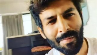 Kartik Aaryan watches Pati Patni Aur Woh with family, says his mother never waits for the credits