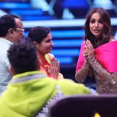 Malaika Arora graciously accepts a beautiful paithani saree and a nathni from a contestant's parents on India's Best Dancer