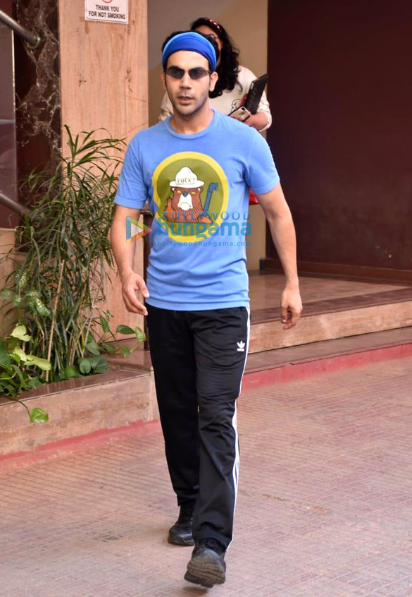 Photos Rajkummar Rao snapped at Kwan office in Andheri (2)