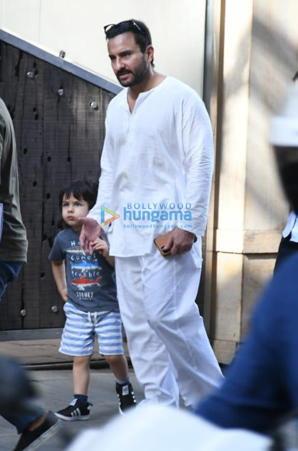 Photos Saif Ali Khan and Taimur Ali Khan spotted in Bandra (1)