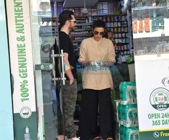 Photos Shama Sikander snapped at a medical shop (2)