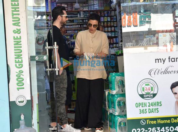 Photos Shama Sikander snapped at a medical shop (3)