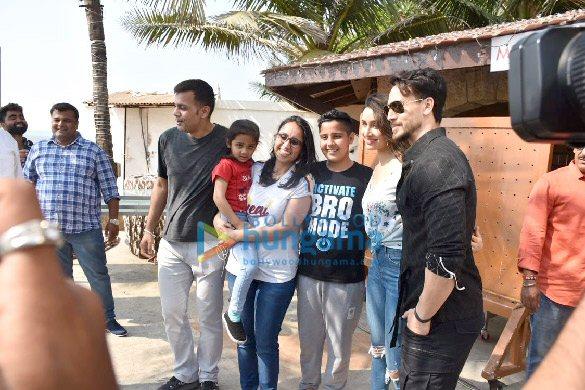 Photos Tiger Shroff, Shraddha Kapoor and Riteish Deshmukh snapped during Baaghi 3 promotions (3)