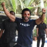 Ranveer Singh arrives late at the Sooryavanshi trailer launch and his reaction is hilarious!