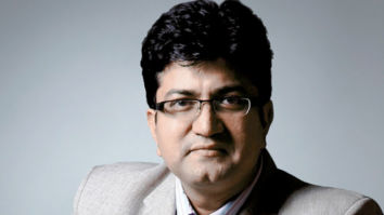 Lyricist Prasoon Joshi writes a poem on the 21-day lock-down, urges everyone to co-operate