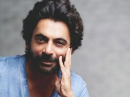 Sunil Grover gets emotional sharing a video of him performing in front of Shah Rukh Khan, Kajol and Varun Dhawan on The Kapil Sharma Show