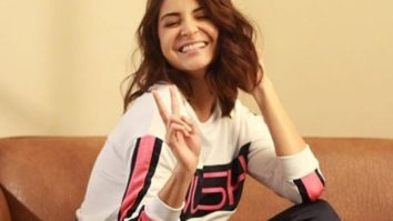 As Anushka Sharma struggles with Guess the Gibberish; Virat Kohli answers while lifting weights