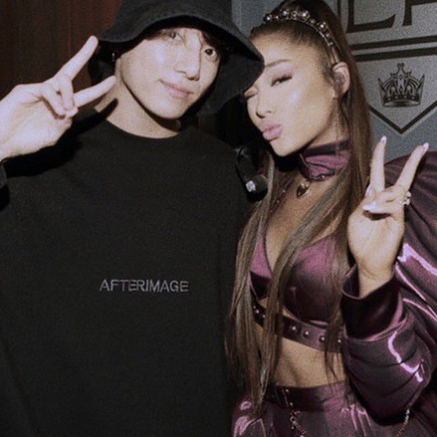 When BTS member Jungkook attended Ariana Grande's concert during Sweetener tour, watch videos