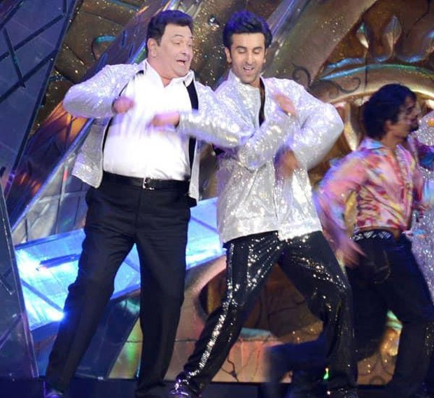 When Rishi Kapoor and Ranbir Kapoor enthralled the audience with their performance at IIFA 2012 as Neetu Kapoor adoringly watched them