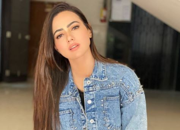 EXCLUSIVE: Sana Khaan claims that Melvin Louis asked her to not promote her post on Instagram while his own followers were fake