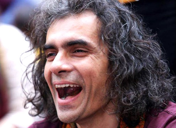 Imtiaz Ali takes the 'Oh Na Na Na' challenge with his daughter and nails it!
