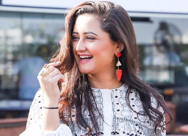Rashami Desai makes her TikTok debut, crosses 4 million followers in a day!