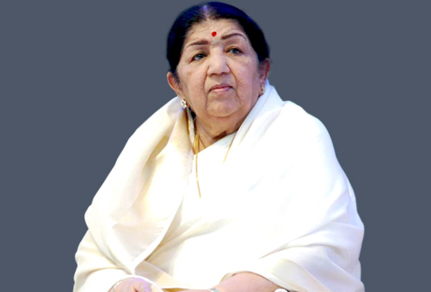"""""""It is hard to believe that the virus has struck Bachchan Saab and his family"""", says Lata Mangeshkar"""