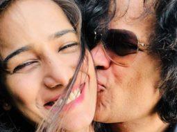 Poonam Pandey gets engaged to boyfriend Sam Bombay; flaunts diamond ring