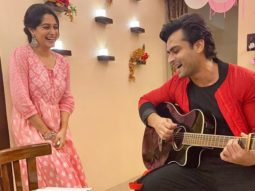 Shoaib Ibrahim croons 'Maine Pucha Chaand Se' for Dipika Kakar and she can't stop blushing