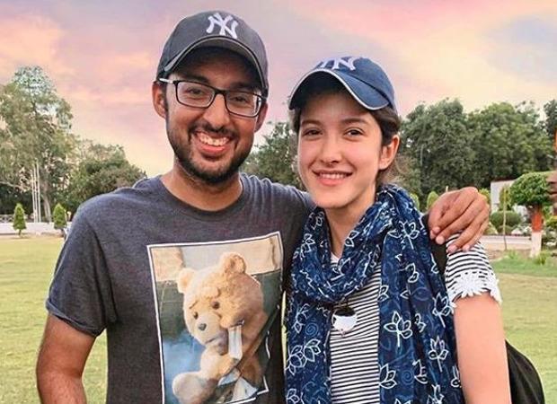 Shanaya Kapoor Debuts As Assistant Director For Gunjan Saxena The Kargil Girl Father Sanjay Kapoor Says He Is The Glad Celebsyou