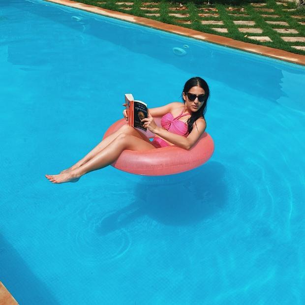 Sara Ali Khan looks pretty in pink bikini as she enjoys pool day in Goa