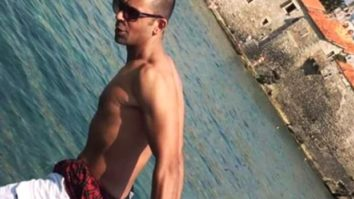 Sunil Grover shares a shirtless picture; jokes that today people have to cover their face also