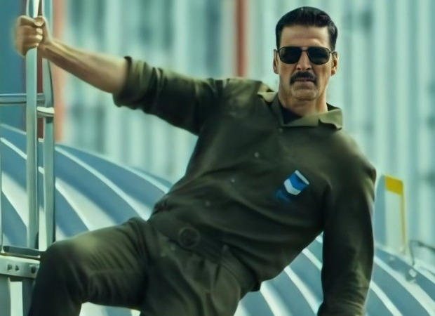 Akshay Kumar oozes class in the teaser of BellBottom!