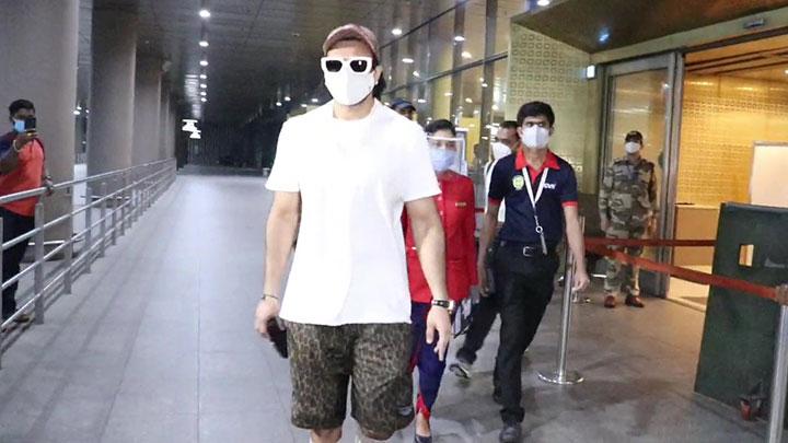 Ranveer Singh spotted at airport arrival