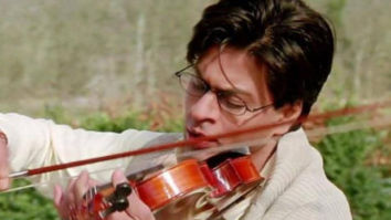 """20 years of Mohabbatein: Shah Rukh Khan records the popular dialogue """"Pyaar aisa hota hai' and shares with his fans"""