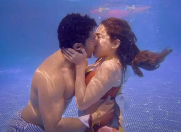 Coolie No. 1 trailer Sara Ali Khan and Varun Dhawan's underwater lip-lock goes viral