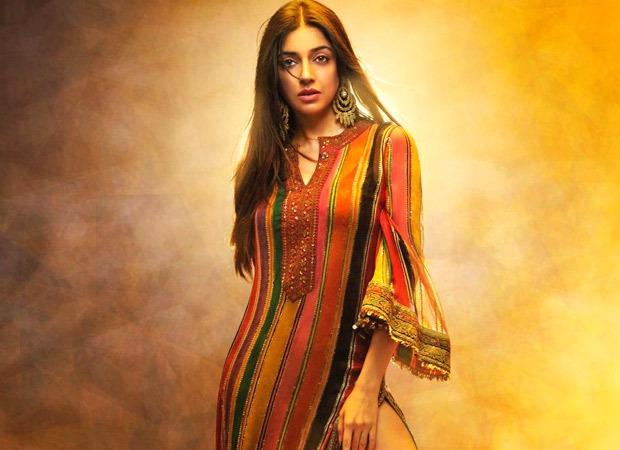 दिव्या खोसला कुमार ने जानी और बी प्रैक के नवीनतम संगीत वीडियो 'बेशरम बेवफा' (1) के साथ वापसी की