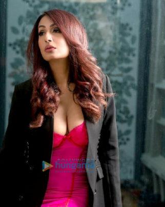 Celebrity Photos of Kashmera Shah