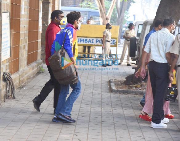 Photos: Bharti Singh and Harsh Limbachiyaa leave NCB office