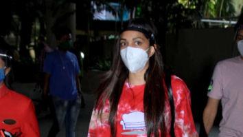 Photos: Kiara Advani spotted at Mumbai airport