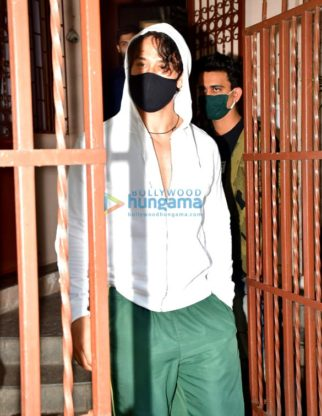 Photos: Tiger Shroff and Disha Patani spotted at dubbing studio