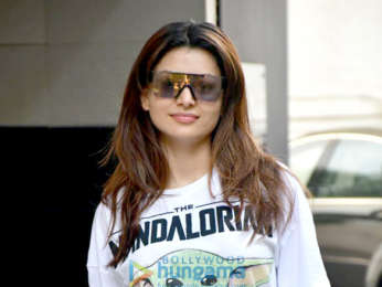 Photos: Urvashi Rautela spotted outside a salon
