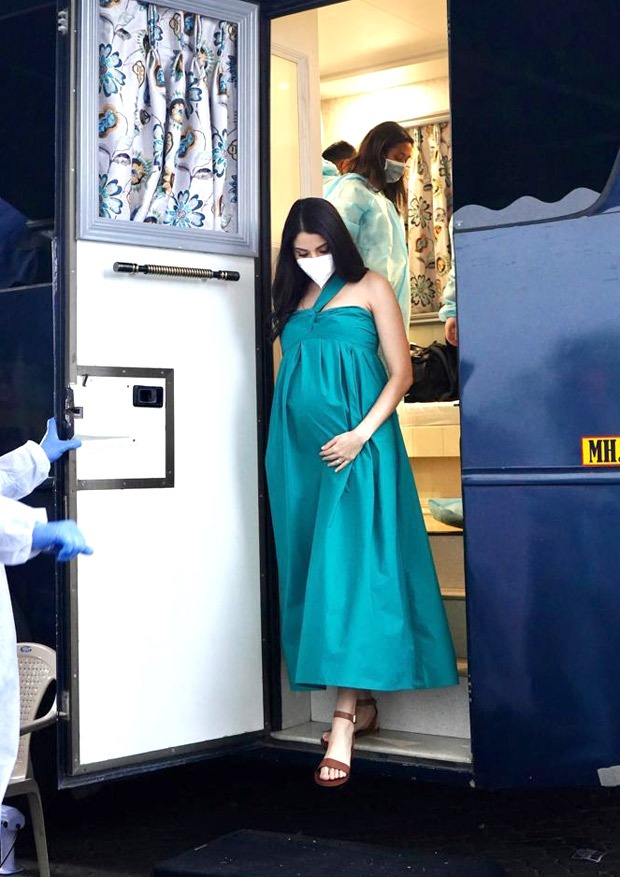 Pregnant Anushka Sharma glows in green gown, starts shooting for an ad!