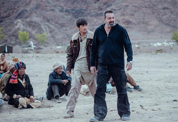 संजय दत्त 11 दिसंबर को नेटफ्लिक्स पर प्रीमियर करने वाली फिल्म तोरबाज़ में छुटकारे की यात्रा पर हैं