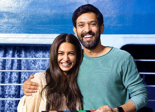 Vikrant Massey and Kriti Kharbanda are all smiles as they kick off the shooting of 14 Phere