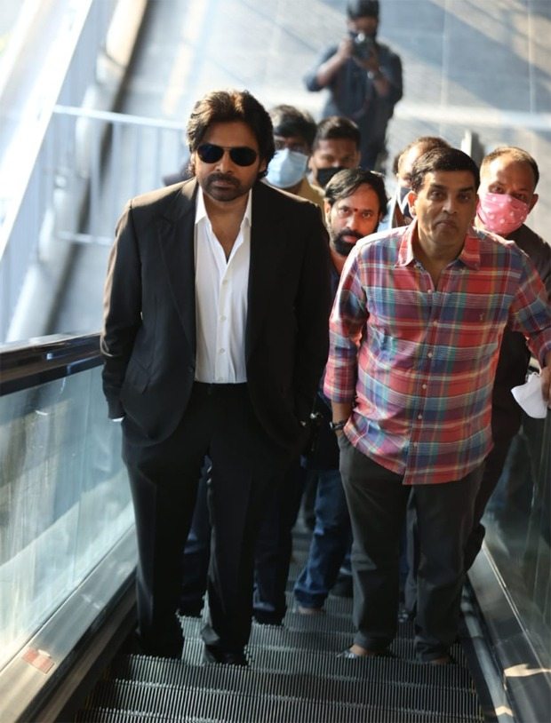 Pawan Kalyan interacts with passengers as he takes a metro to reach Vakeel Saab sets; see pics