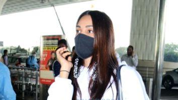 Photos: Neha Kakkar, Rohanpreet Singh, Anupriya Goenka and others snapped at the airport