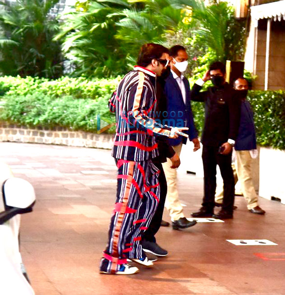 Photos Ranveer Singh and Deepika Padukone snapped at Taj Palace, Colaba (2)