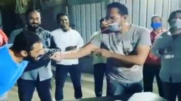 Salman Khan celebrates bodyguard's birthday but skips eating cake, watch video