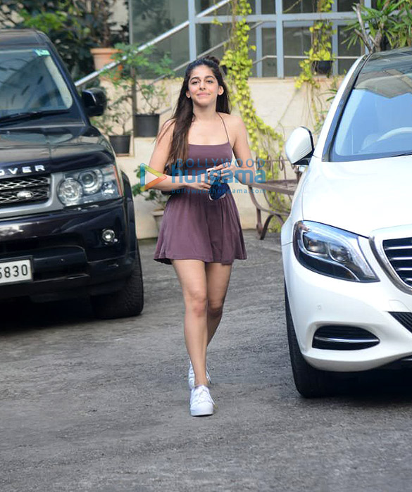 Photos Alaya F spotted at dance class in Andheri (1)
