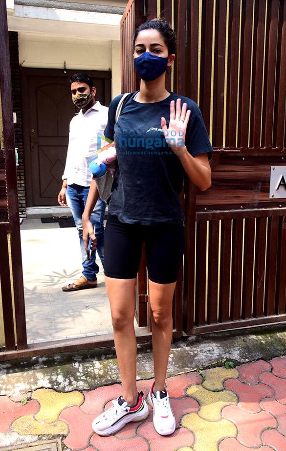 Photos Ananya Panday spotted at Anshuka Yoga classes in Bandra (1)