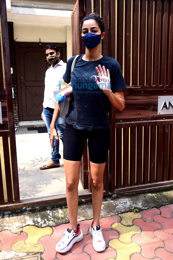 Photos Ananya Panday spotted at Anshuka Yoga classes in Bandra (2)