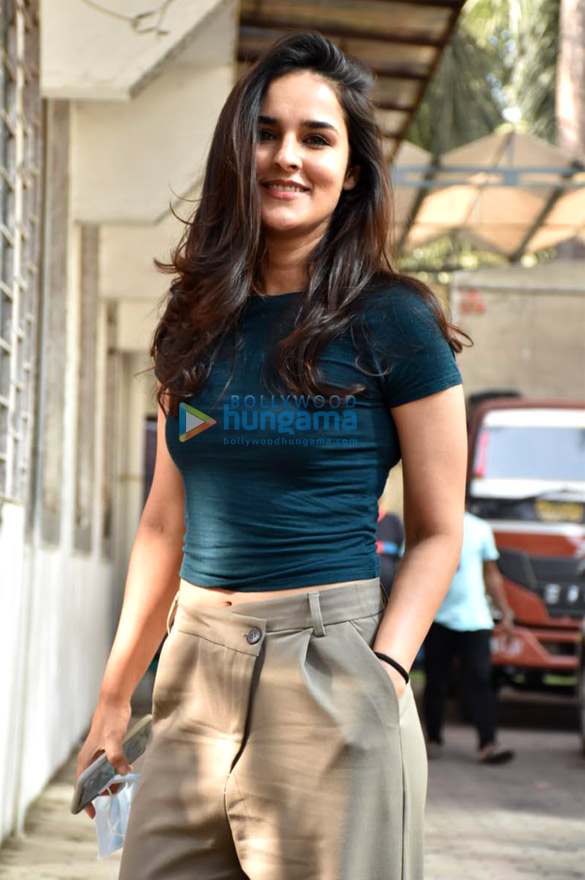 Photos Angira Dhar snapped at Super Star hall in Andheri (1)