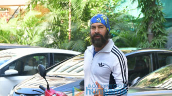 Photos: Dino Morea spotted at the gym