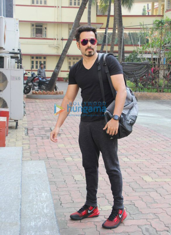 Photos Emraan Hashmi snapped at I Think Fitness in Bandra (1)