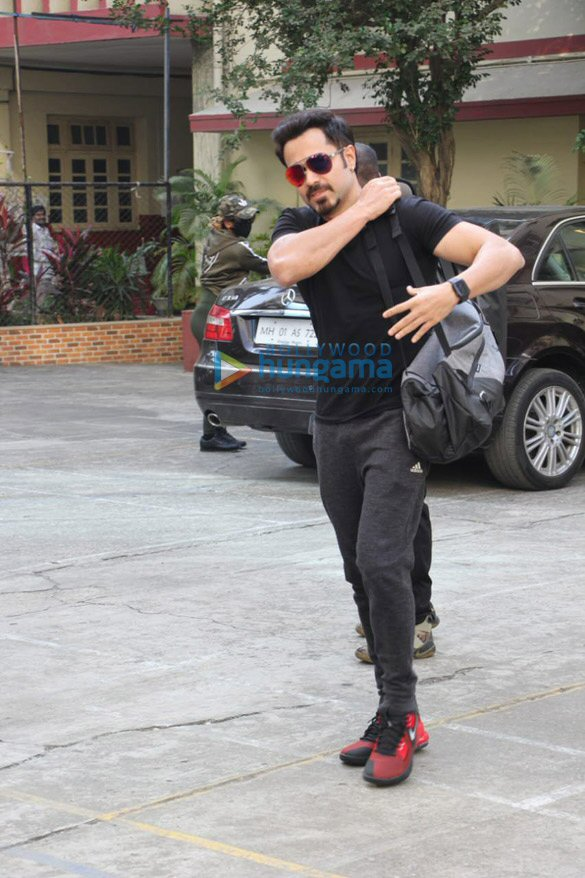 Photos Emraan Hashmi snapped at I Think Fitness in Bandra (2)